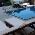 Outdoor pool with sea view