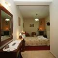 Triple suite with fireplace (τρίκλινη σουίτα με τζάκι)